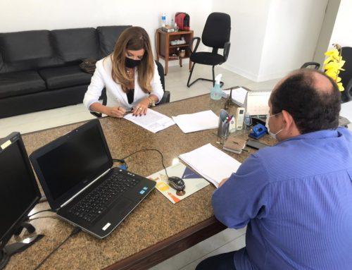 """Prefeita de Carmópolis assina termo de cooperação técnica com o DER/SE para realização de """"operação tapa buraco"""""""